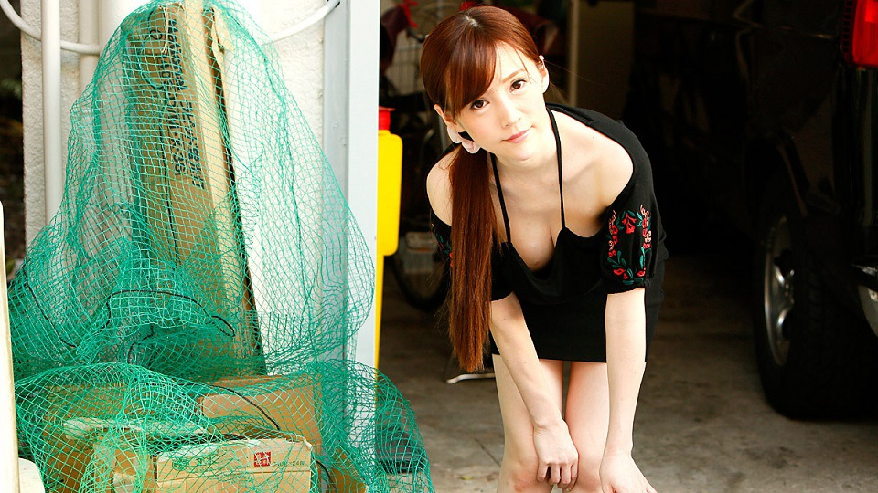 1Pondo 041820_001 Sumire Mika Playful no bra wife in the neighborhood who puts out garbage in the morning Mika Sumire