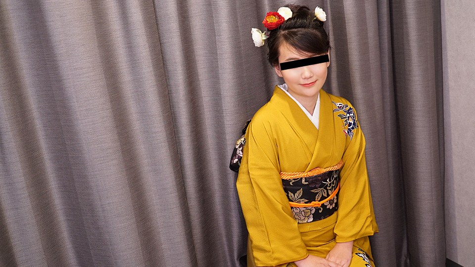 10Musume 010120_01 Natsu Natsuki The beautiful girl wearing a beautiful garment and a vaginal cum shot princess