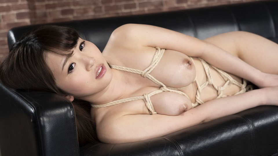 1Pondo 110219_923 I want to be confined A cute woman who wants to train Mirai Hanamori