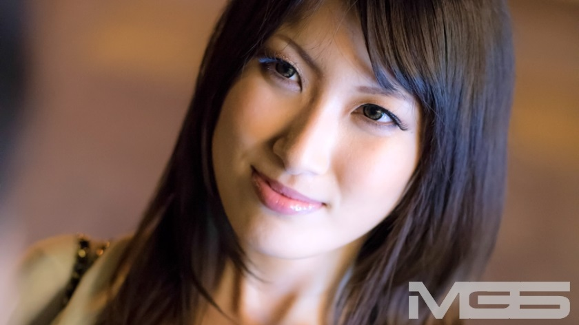 274ETQT-014 Aya Chan (5 years old Muchicchi Big Tits You Can See Even Batchy From Above The Clothes