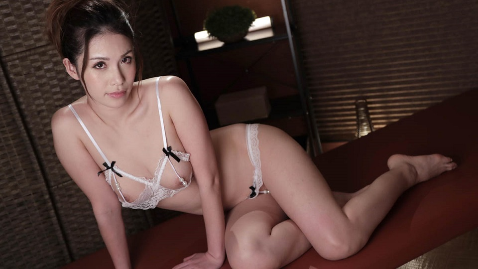 Caribbeancom 022320-001 Kamiyama Nana Can't stop giving a blow job whenever she sees a man!