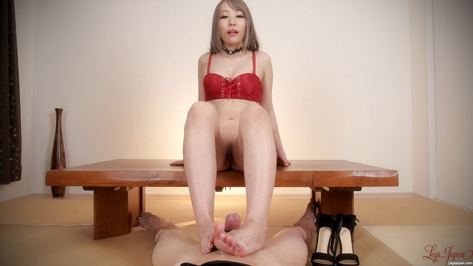 Legs-Japan 877 Airi Mashiro Red Hot Footjob