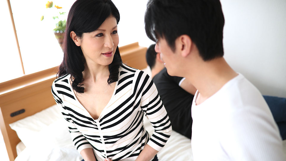 Pacopacomama 092918_348 sons friend and yaru beauty witch hospitality blowing your tide
