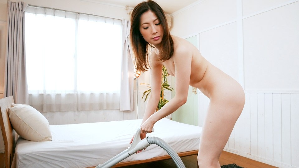 Pacopacomama 071319_133 Saegimi Maiko The woman's carnal affair to apply vacuum cleaner nakedly ~ beautiful mature woman pictorial