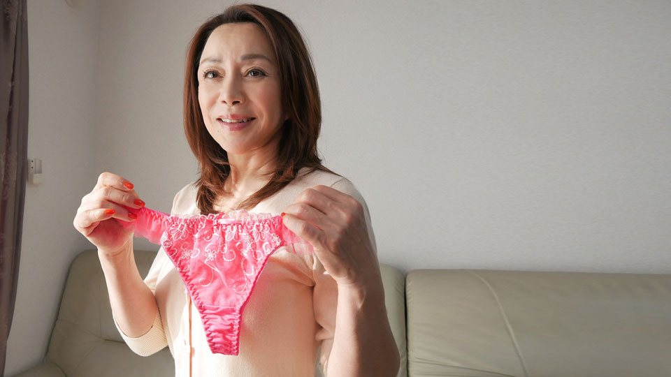 Pacopacomama 122118_403 Ogura Sayo Please let me buy your underwear now Desire Morodera 50th Pink JAV Full HD 1080p