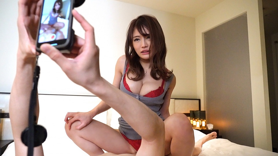 S-Cute 756_hina_03 Take a picture of the cowgirl of a girl in red underwear that looks good Hina