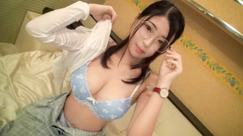 SIRO-3746 AV experience shooting on the Internet 909 Glasses girl of manga assistant who has touched only two dimensions