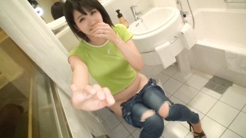 SIRO-3790 [First Shooting] [pink F cup] [Way-based DJ] smiling face of young tall club DJ