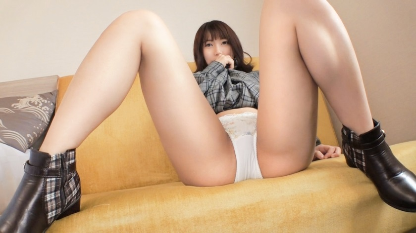 SIRO-4032 The first body is a pure innocent active JD. It is an embarrassment to the camera